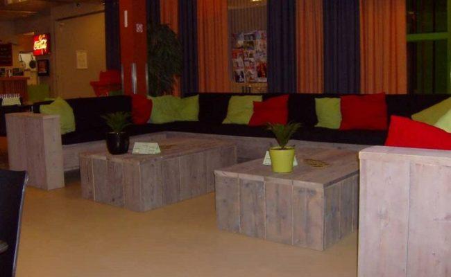 lounge-inrichting-steigerhout-winkelcentrum-dordrecht (1)