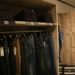 retailinrichting-steigerhout-kledingwinkel-dronten (1)