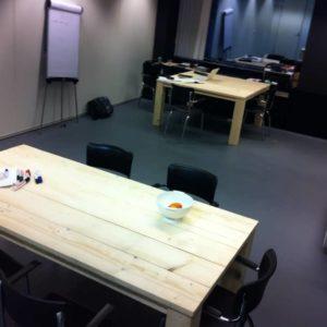 steigerhouten-inrichting-kantoorpand-in-apeldoorn