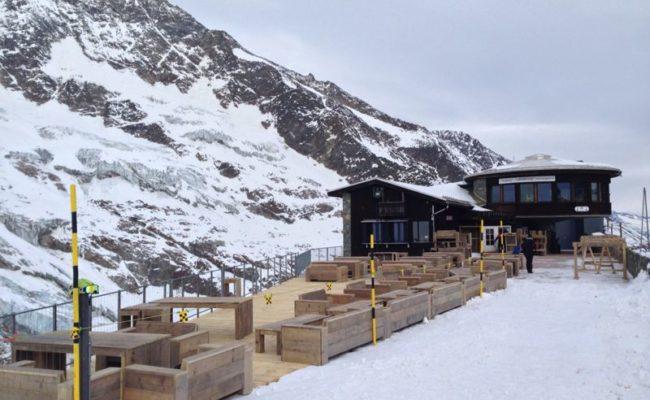 steigerhouten-inrichting-terras-ski-piste-oostenrijk (3)